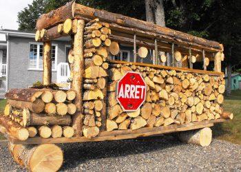 Autobus en corde de bois